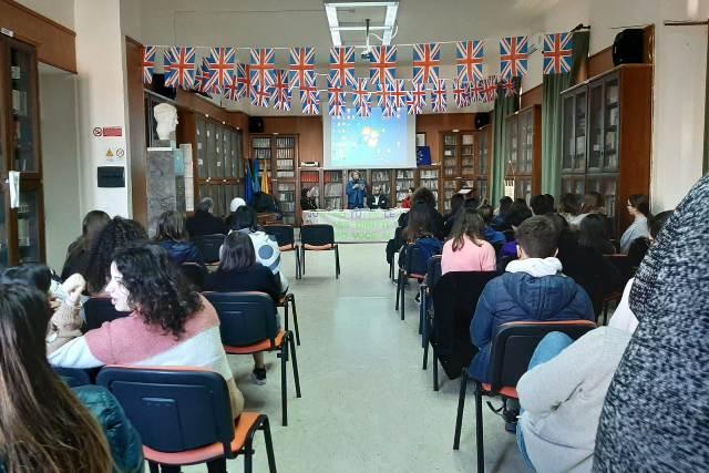 Liceo Classico Giovanni XXIII Marsala, cyberbullismo contro le violenze (8)