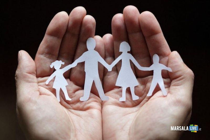 aiuto famiglia, mani