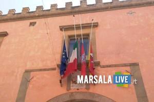 bandiera a mezz_asta coronavirus, marsala (1)