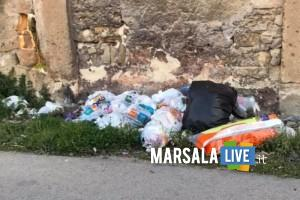 Periferia pieni di rifiuti, marsala (1)